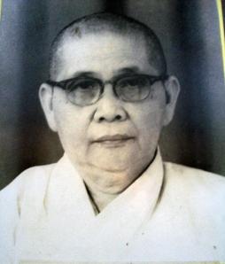 Biksuni Jinaloka